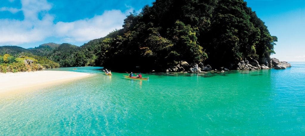 sea_kayaking_abel_tasman_national_park