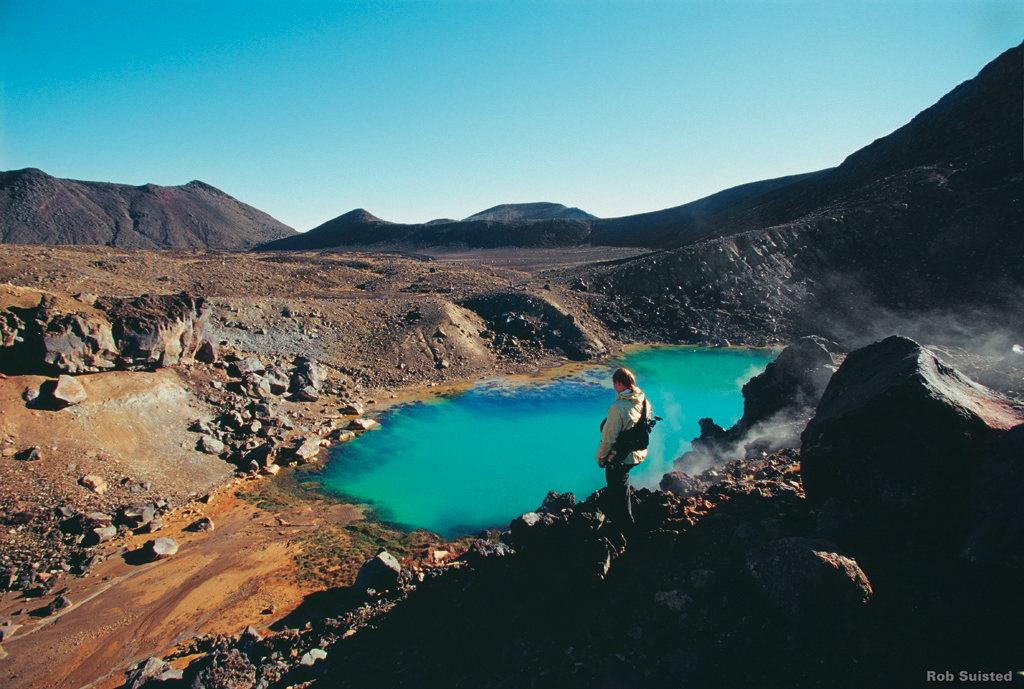 Tongariro_crossing_scenery